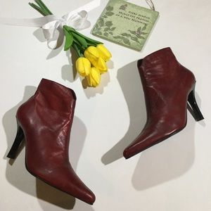 Diba Size 6 Soft Leather Side Zipper Ankle Boots